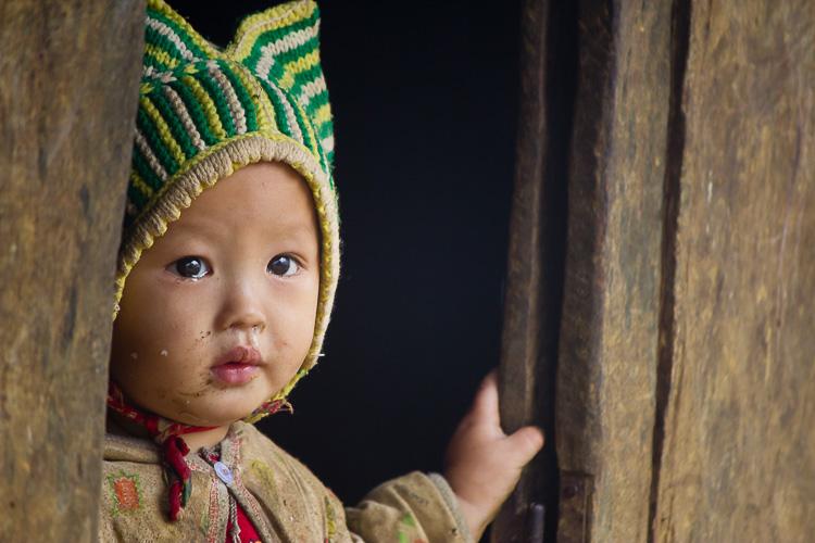 一个年轻的亚洲孩子哭的肖像 -  7个快速提示,以帮助您捕捉更好的肖像
