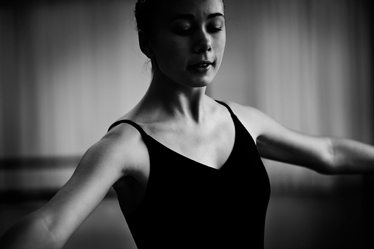Ballet dancer practicing - Why You Should Find Your Own Photography Style and Not Conform to Social Media Trends