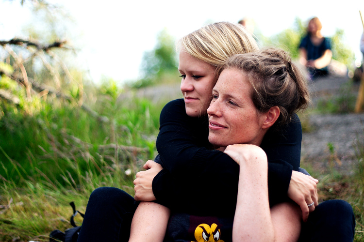 Affectionate friends. Tips on How to Capture Affection in Your Photographs