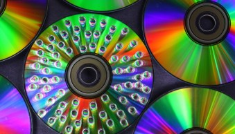 How to Make and Photograph Rainbow Water Droplets on a CD
