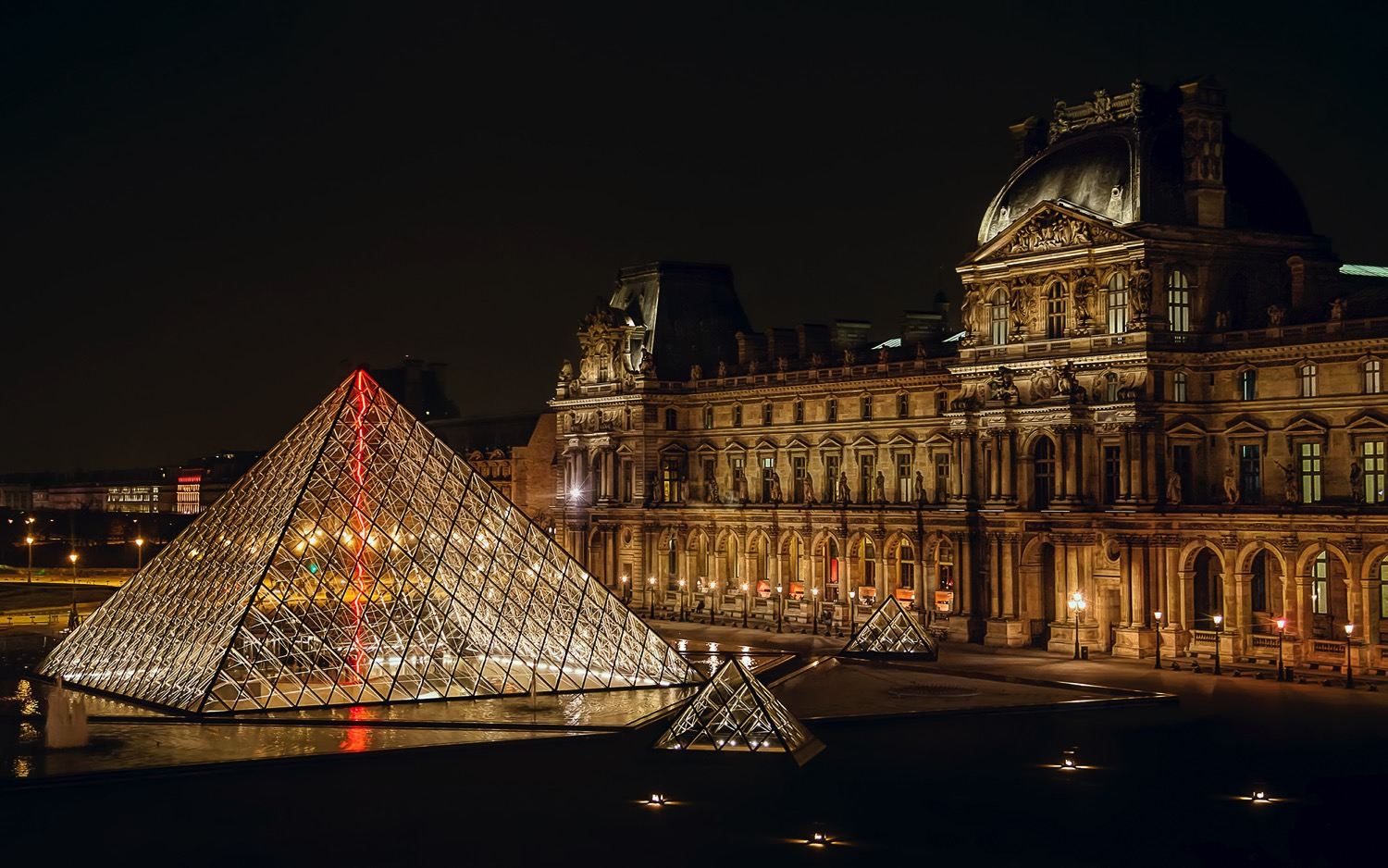 Louvre - dPS Ultimate Guide to Night Photography