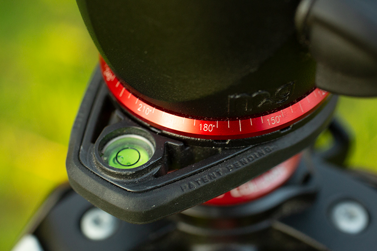 tripod spirit level - Review: Manfrotto 055 Carbon Fiber Tripod and XPRO Ball Head