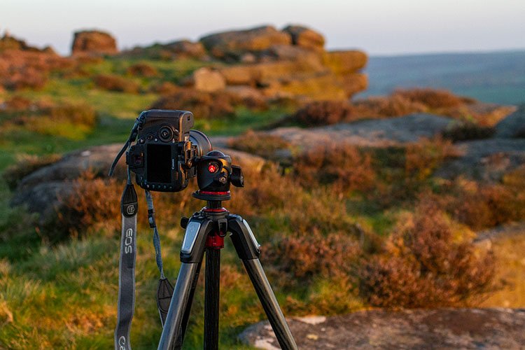 camera on a tripod shooting vertically - Create Better Panoramas