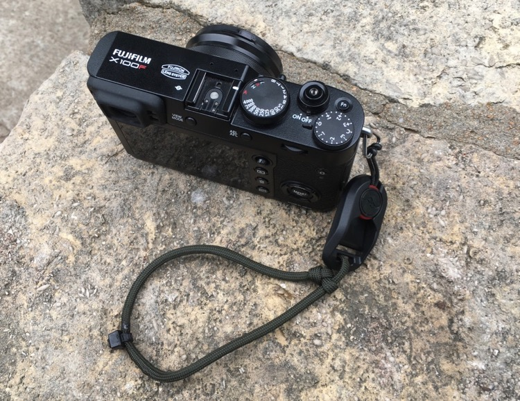 Review: Peak Design Anchor Links - Fuji camera and a wrist strap