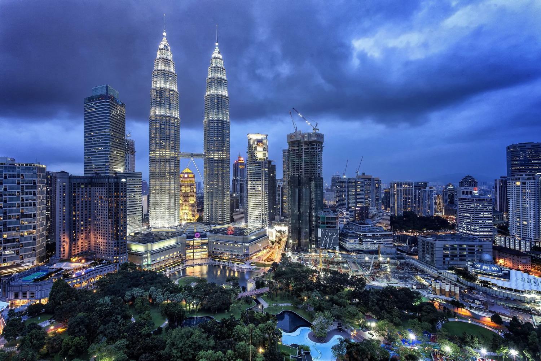 Petronas tower Kuala Lumpur - 9 Tips for Aspiring Young Photographers