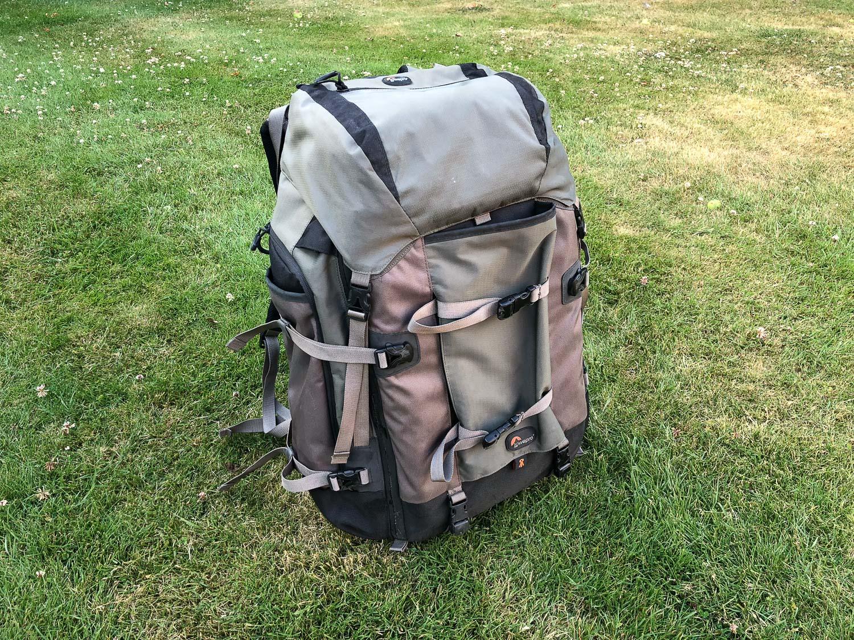 pro trekker LowePro bag - camera bags for travel photographers