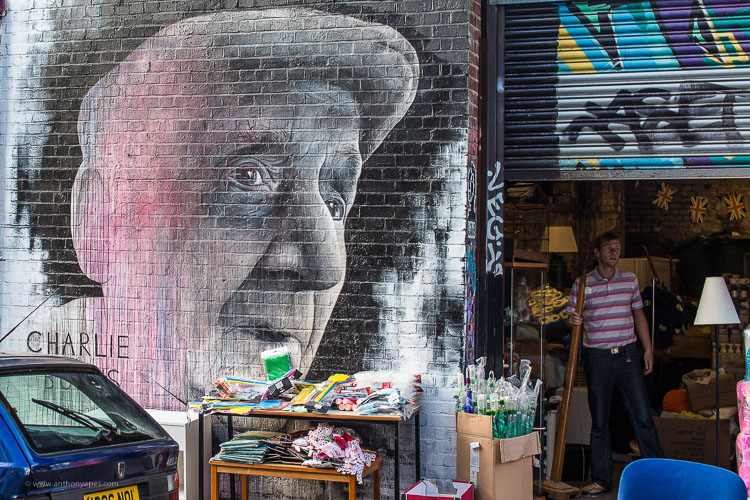 street graffiti - 10 Things You Can Learn About Photography from Elliott Erwitt
