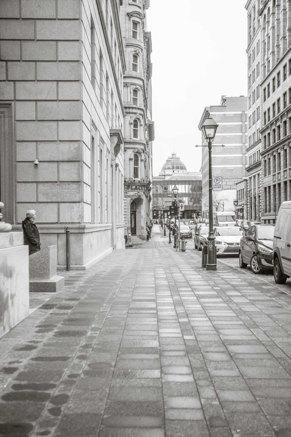 How to Use Low Graphic Style as a Compositional Tool - b/w street scene