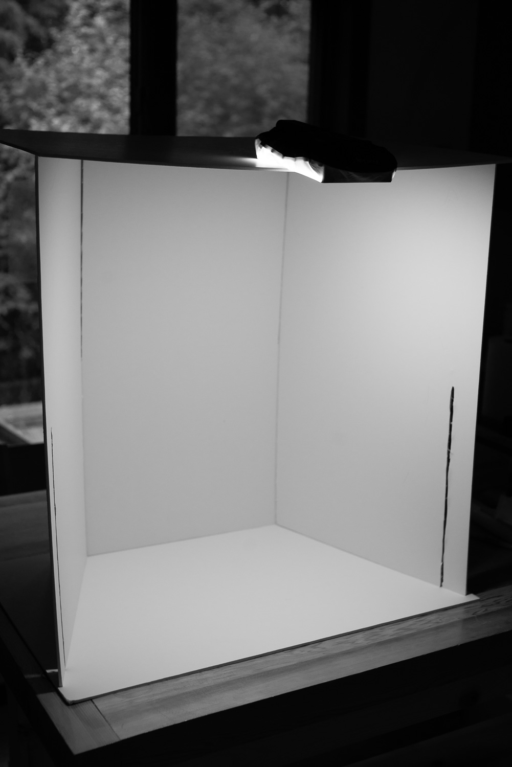 DIY Do It Yourself lightbox - Tips for Photographing Artwork for Marketing Purposes