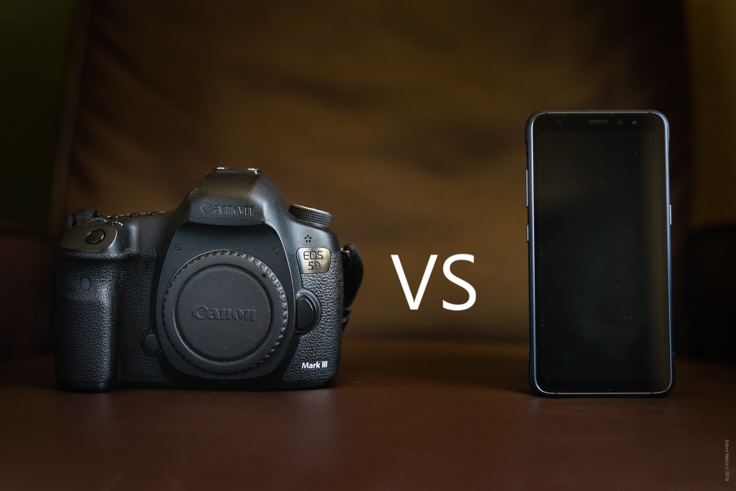 Canon camera and a smartphone - Mobile Phones Versus DSLRs