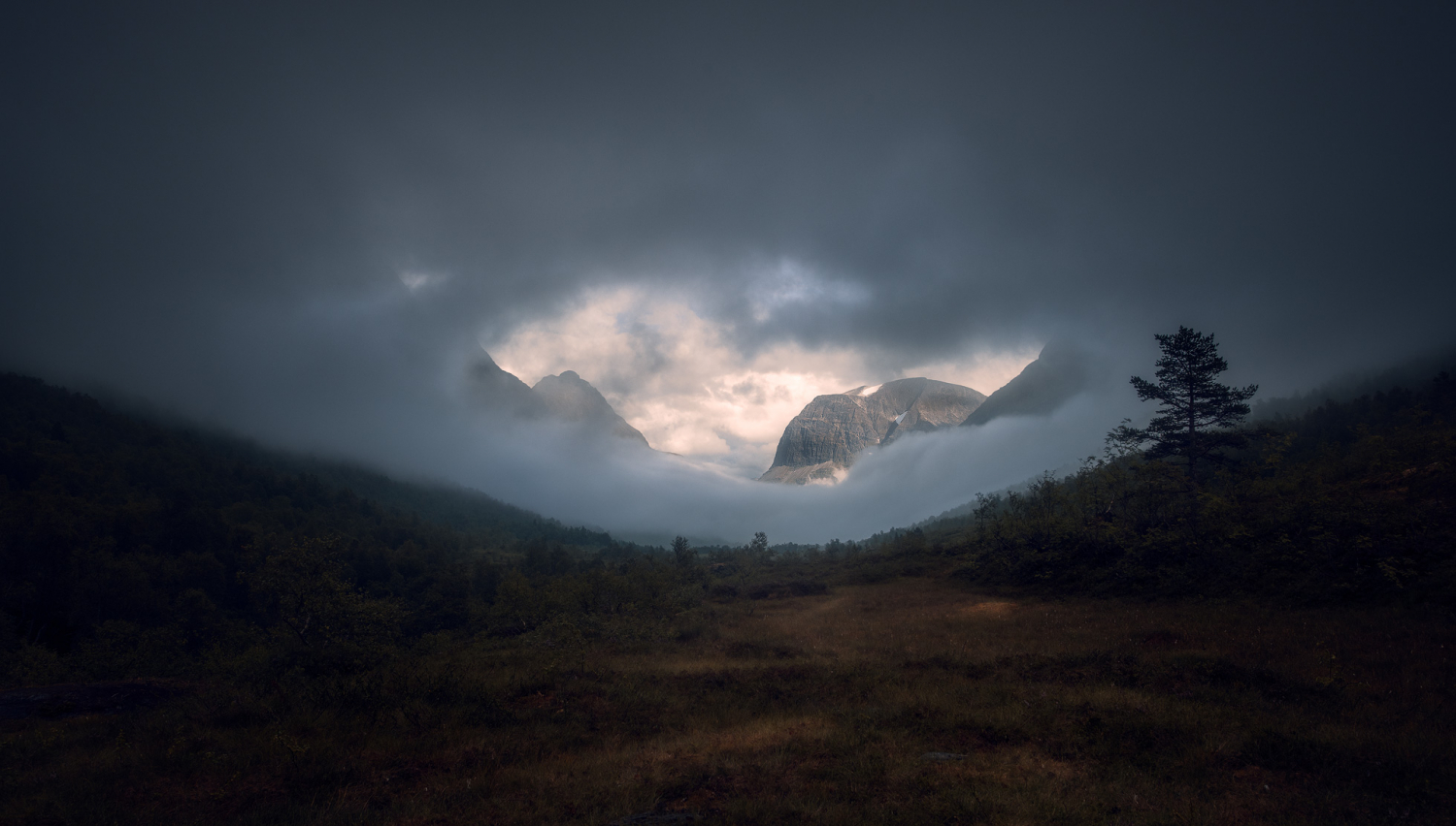 moody mountain scene - 4 Reasons Why You Aren't Getting Sharp Images