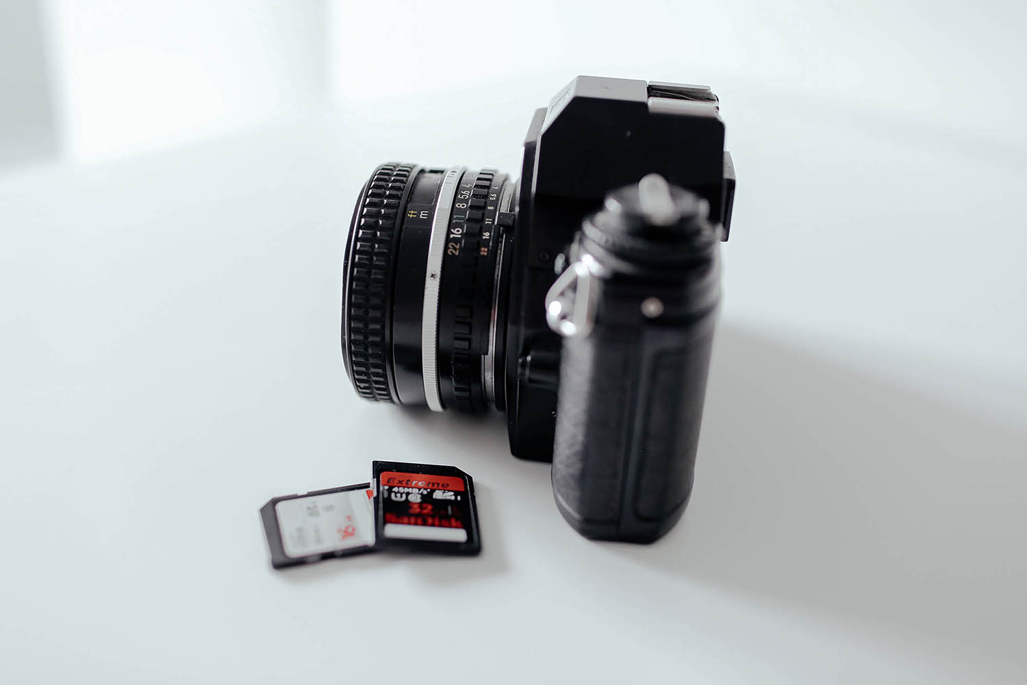 9 Recommended Accessories for Your New Sony a7R III or a7 III Camera - SD cards