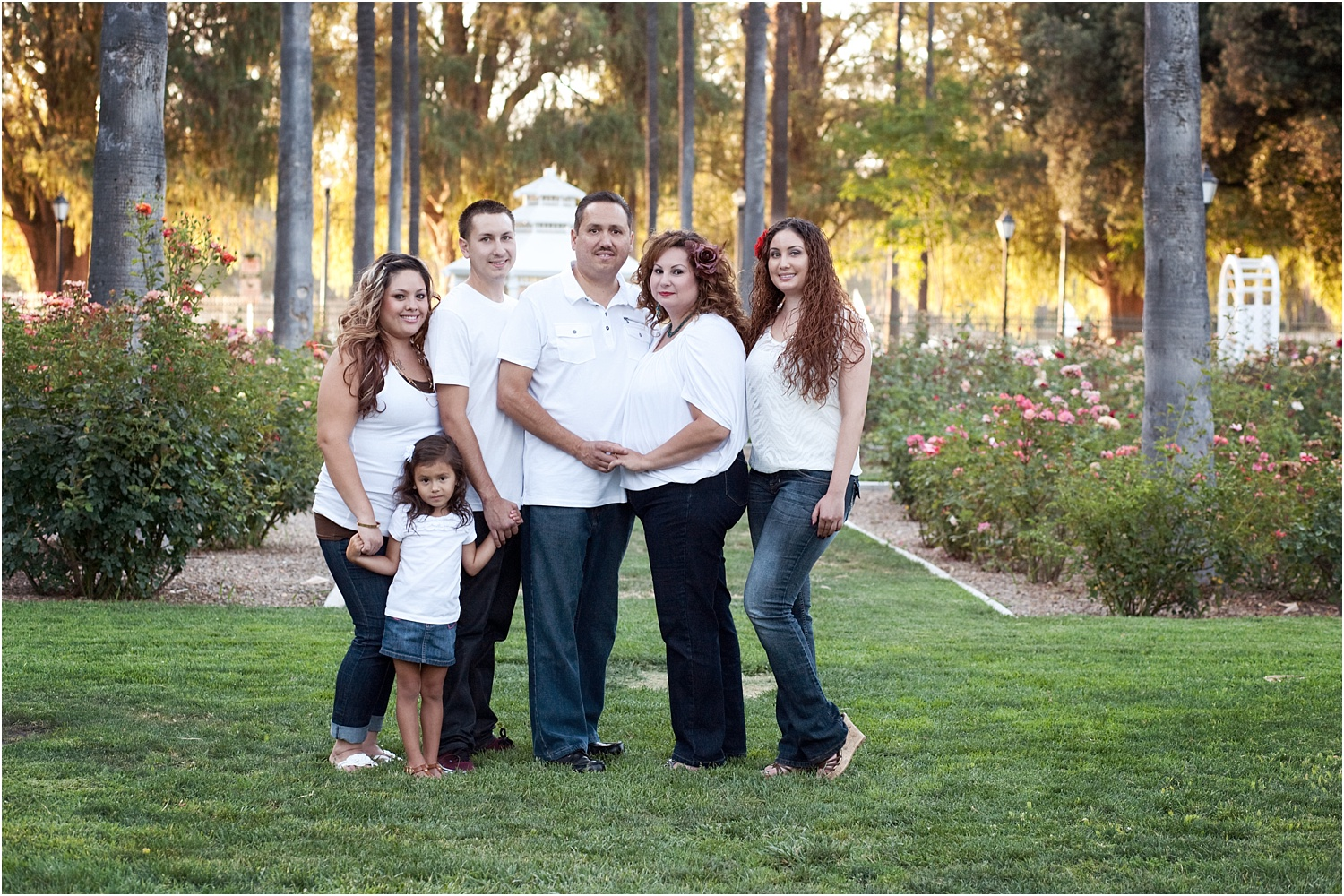 Tips for Posing Large Families and Groups - family in white and jeans