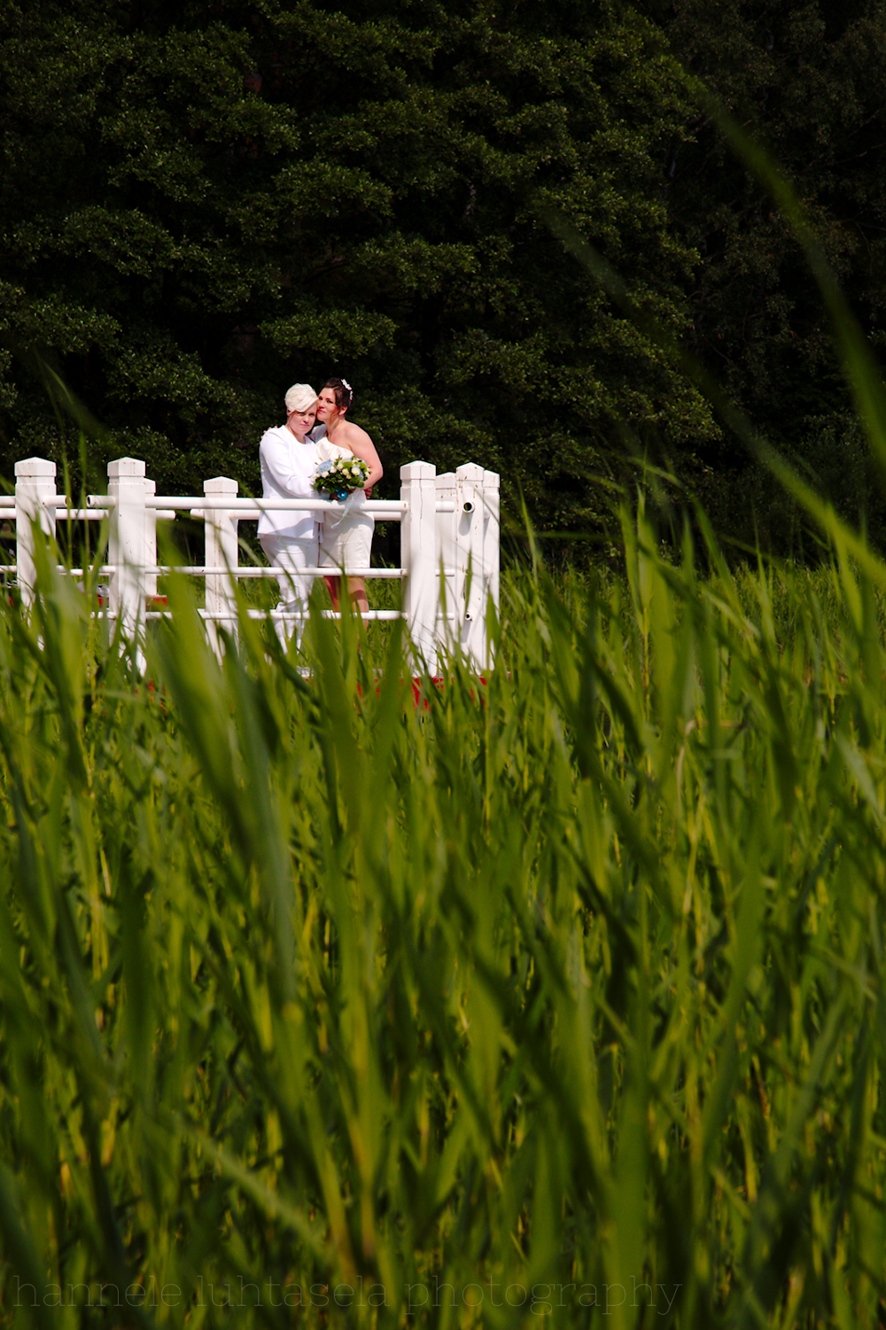 Wedding portrait with greenery. location portraits