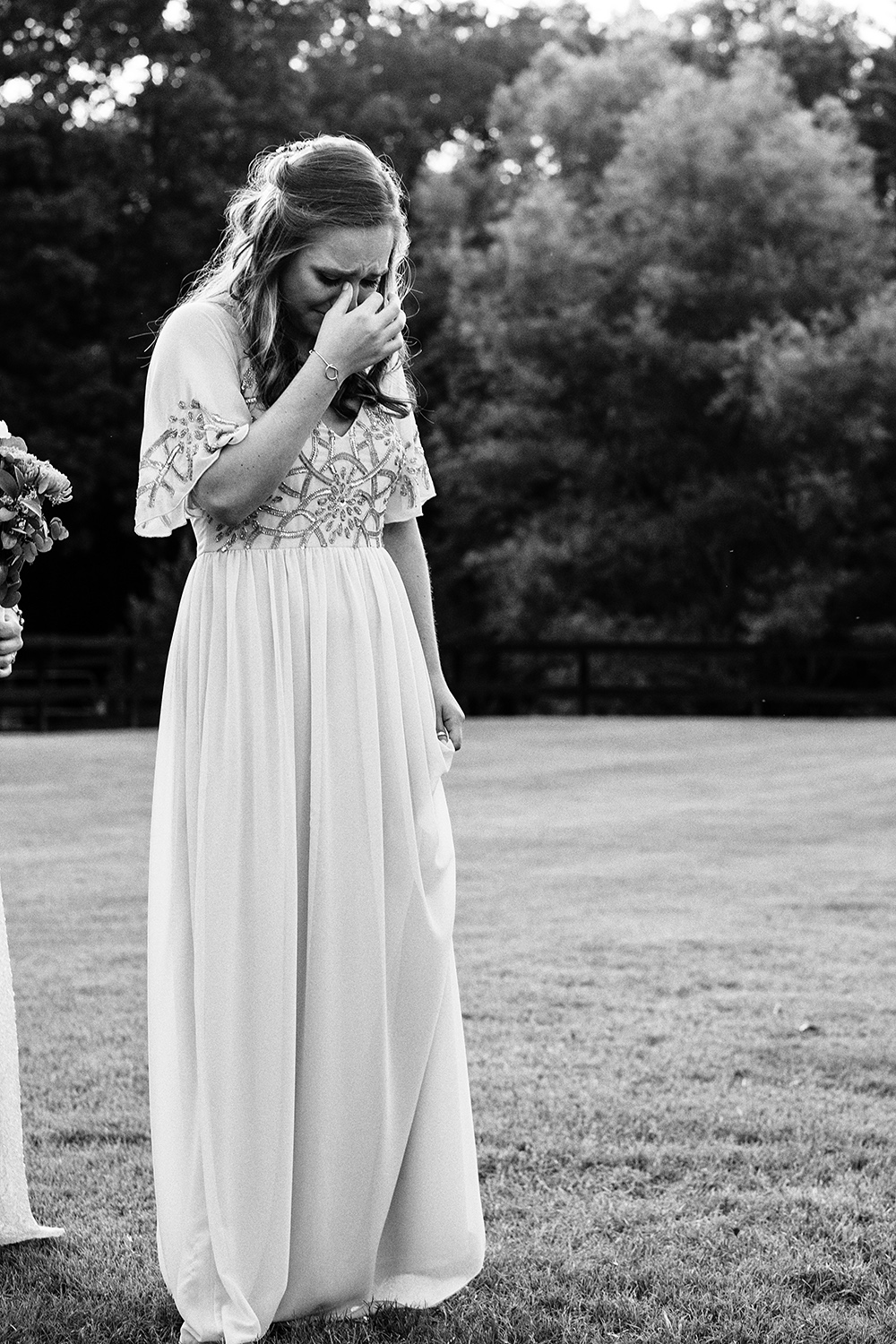 Mirrorless Cameras and Wedding Photography - bride in black and white