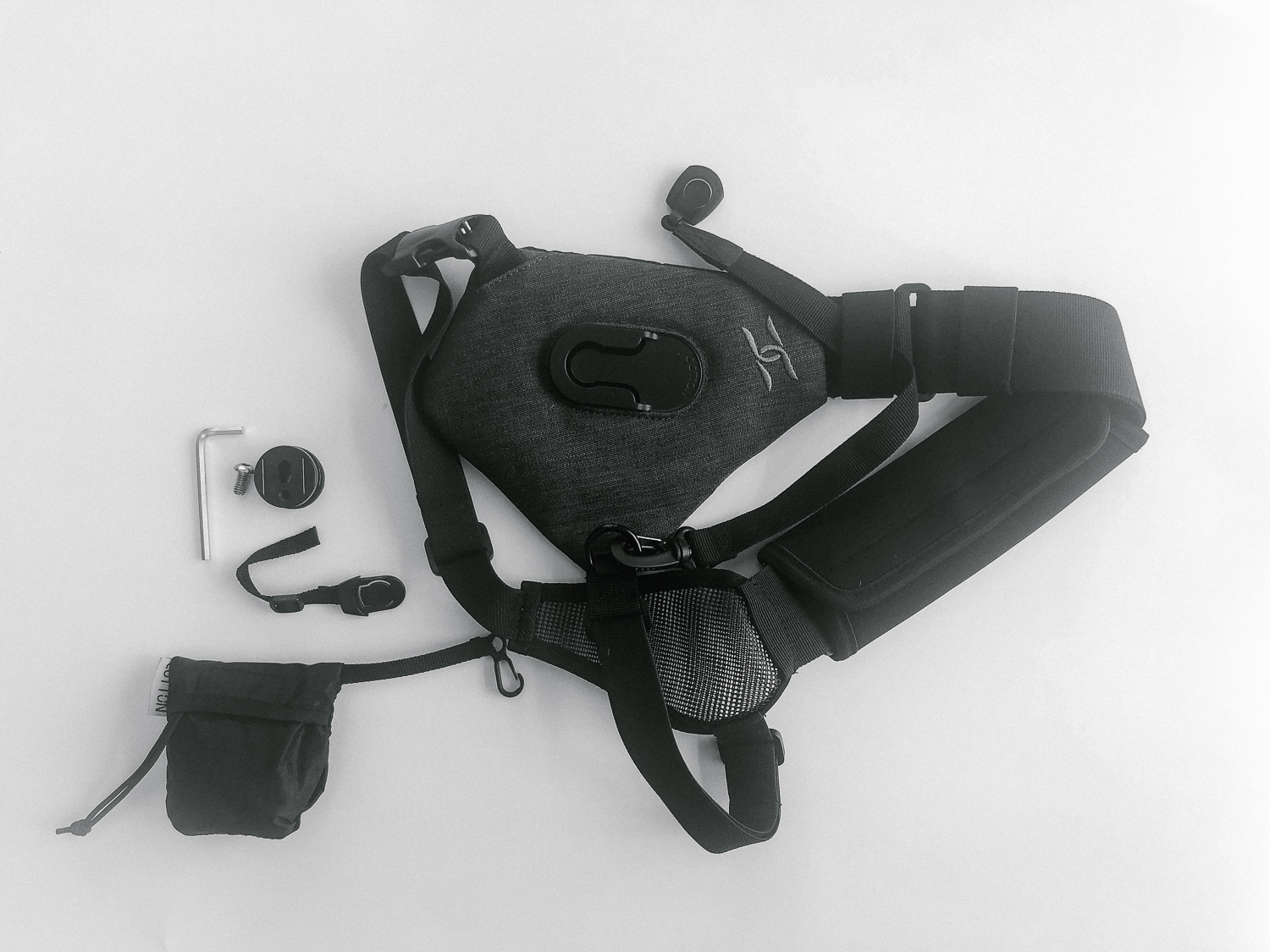 Review of the SKOUT Handsfree Camera Carrying System by Cotton Carrier