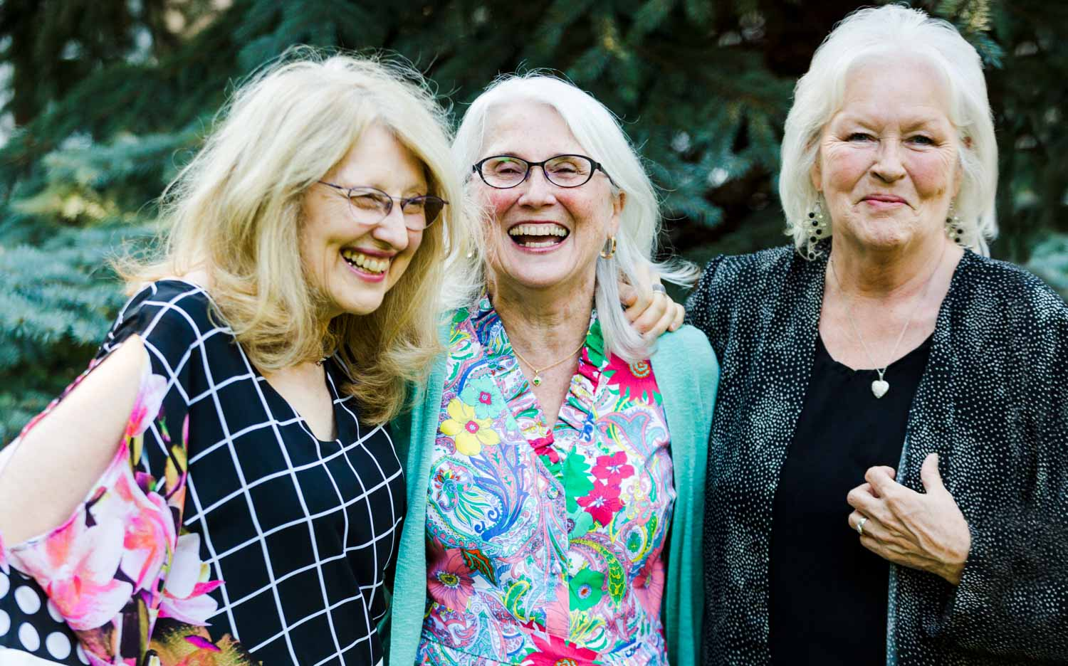 Tips for Preparing for a Portrait Session - 3 ladies smiling and laughing