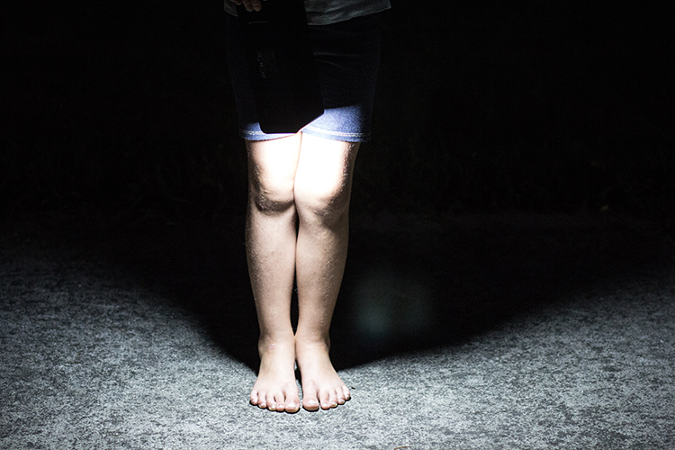 legs in a flashlight beam - Review of the Iforway PowerElf Outdoor Mini Power Station