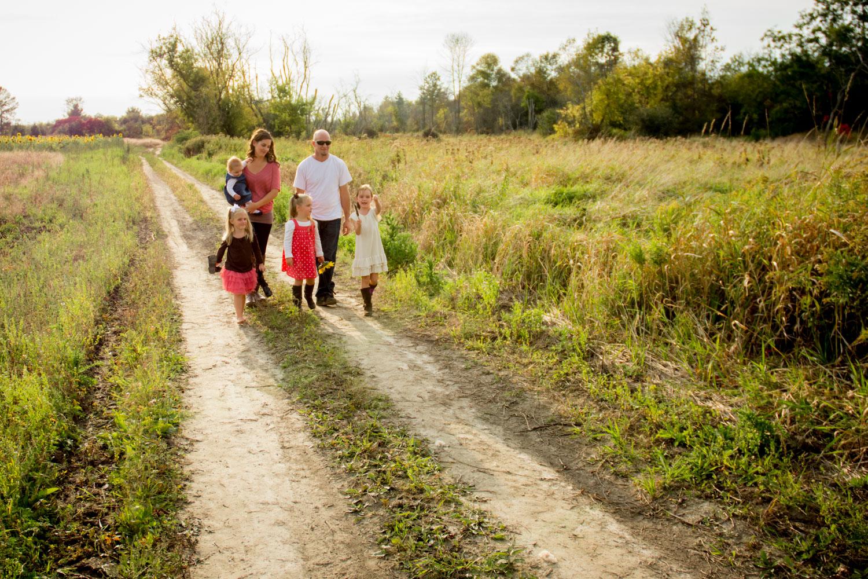 Family photo tips - walking