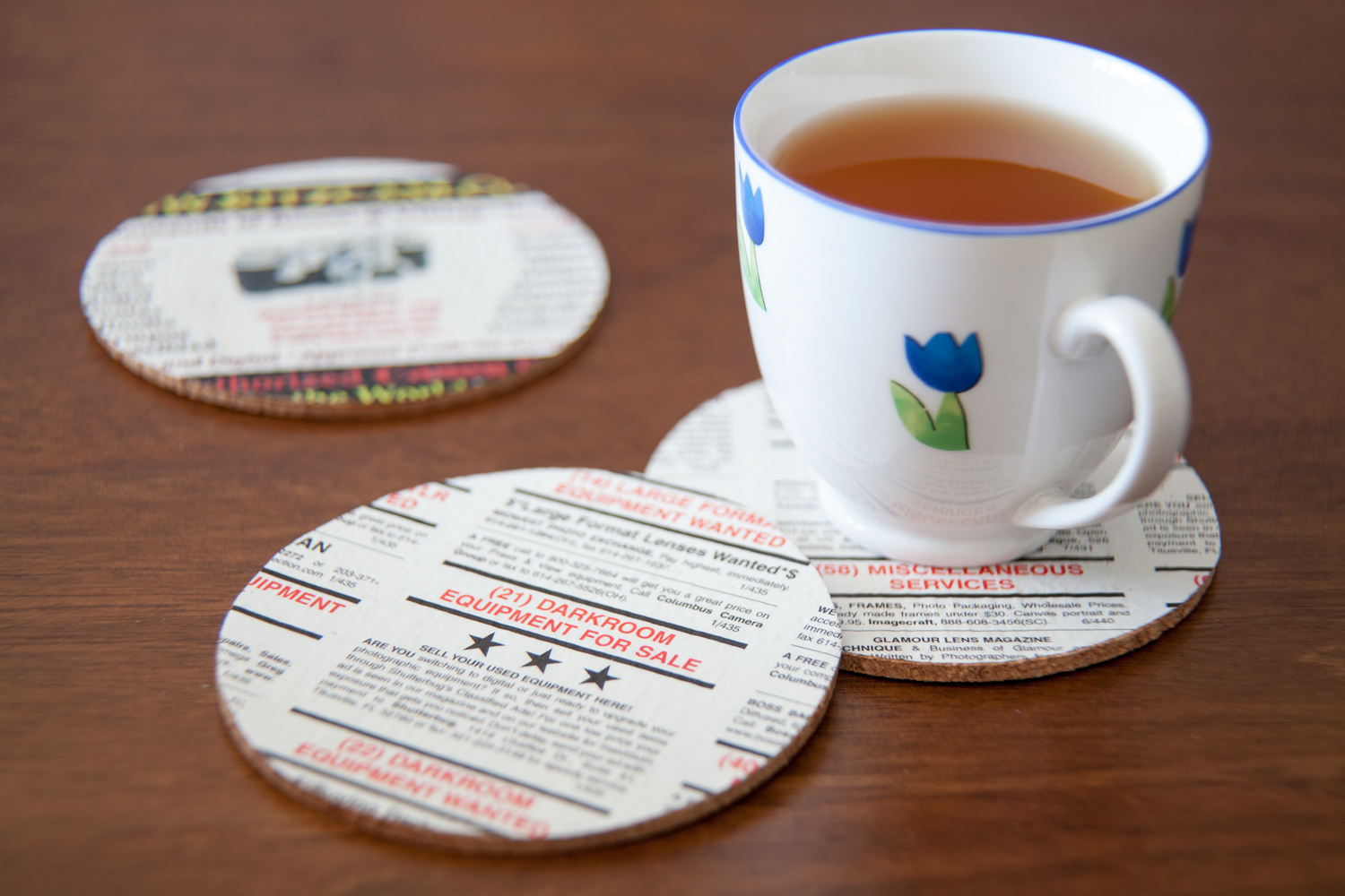 Two Ways to Transform Old Photography Magazines Into Coasters