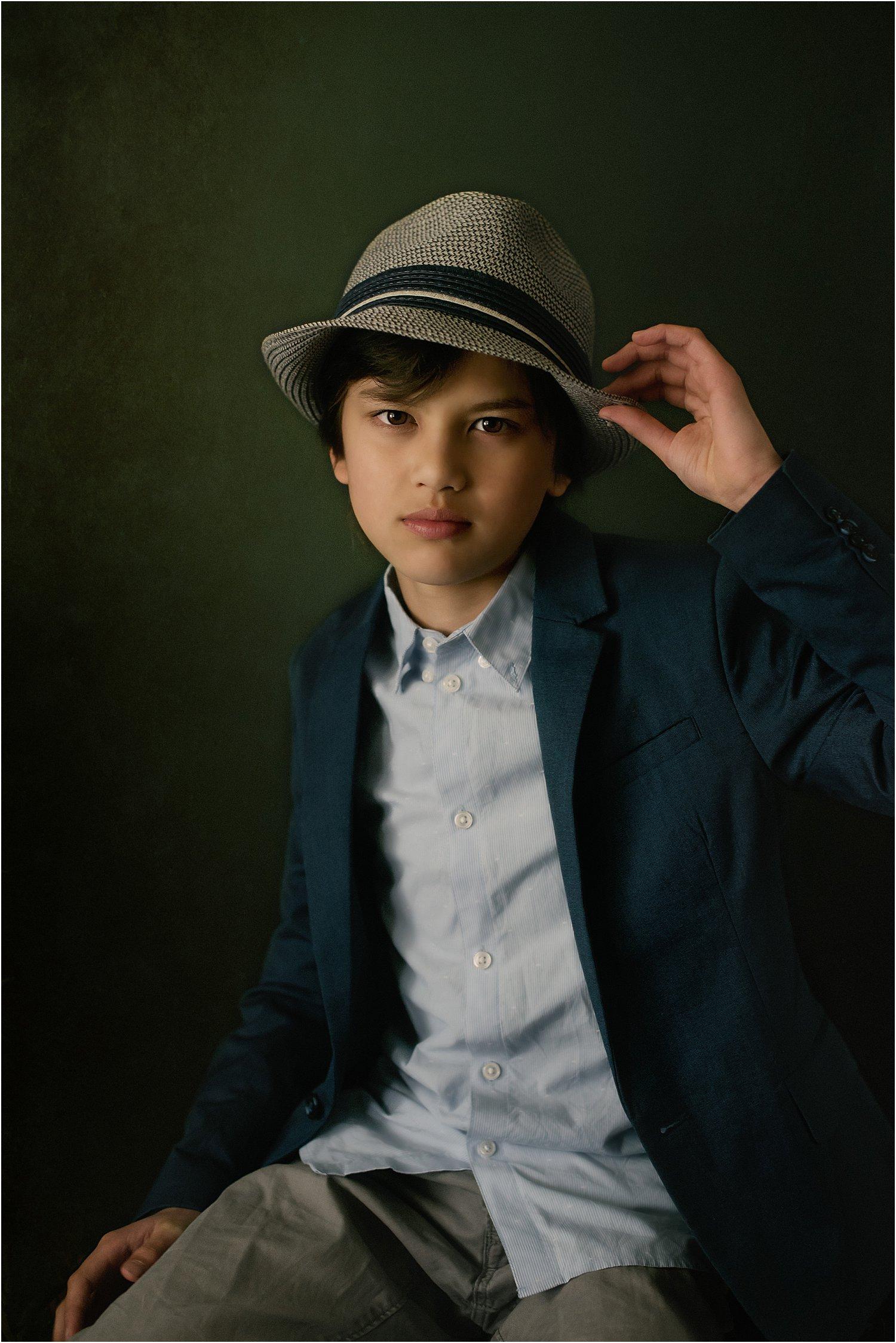 https://i2.wp.com/digital-photography-school.com/wp-content/uploads/2019/02/3-tips-moody-natural-portraits-dps-lily-sawyer-photo_0001.jpg?resize=1500%2C2247&ssl=1
