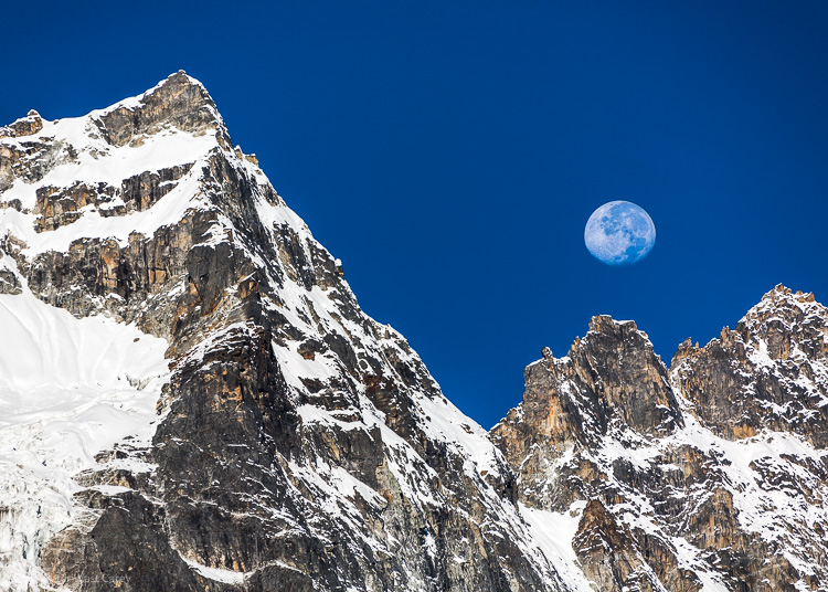 Image: Machermo and the Moon – Nepal's Himalayas – Canon 5D ISO 50