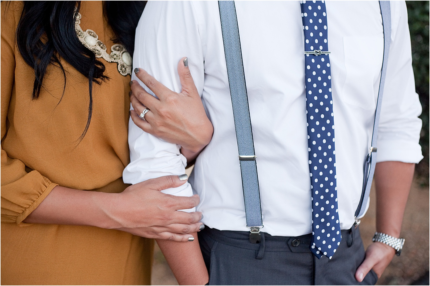 16 - Guide to the Best Poses for Engagement Photos