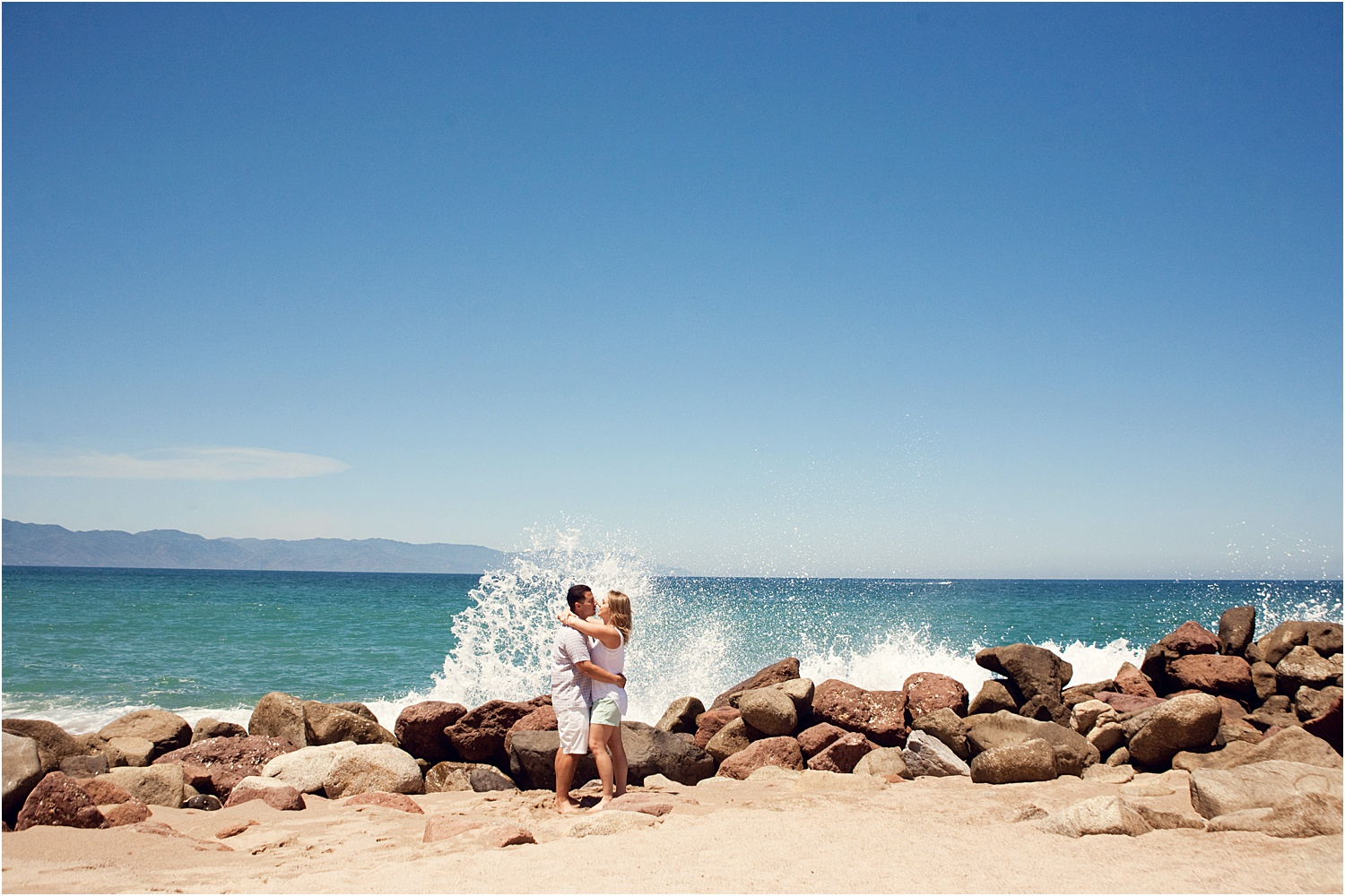 4 - Guide to the Best Poses for Engagement Photos