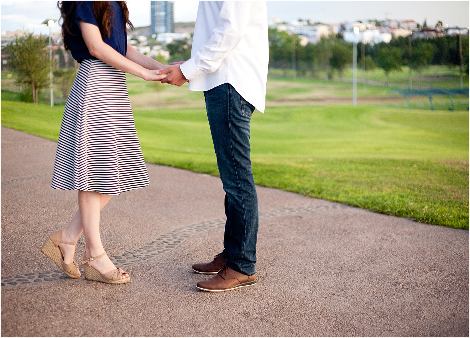 3 - Guide to the Best Poses for Engagement Photos