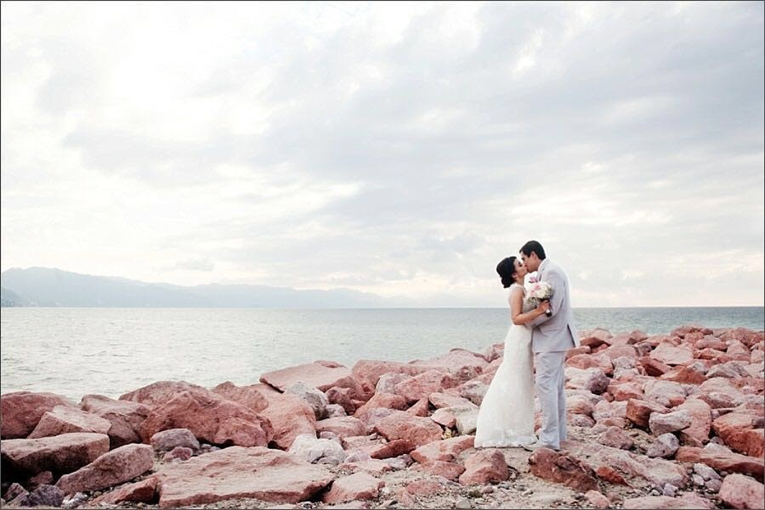 How to Photograph Destination Weddings Successfully
