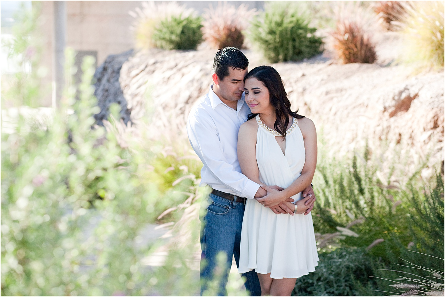 6 - Guide to the Best Poses for Engagement Photos