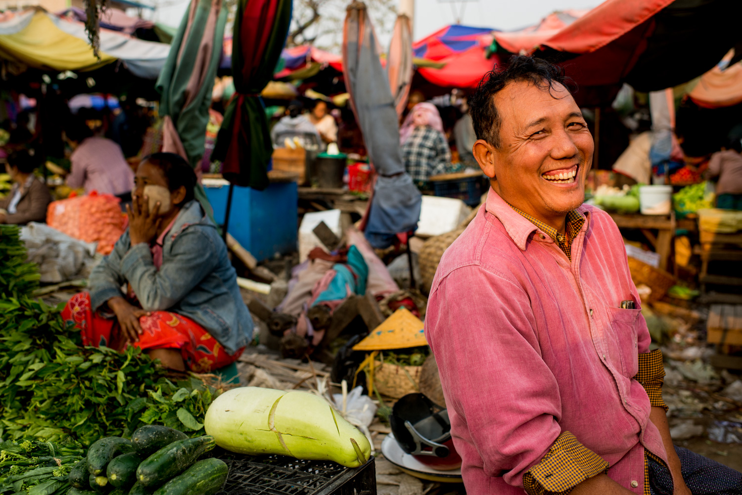 9 Tips for Better Environmental Portraits Mandalay Market Vendor