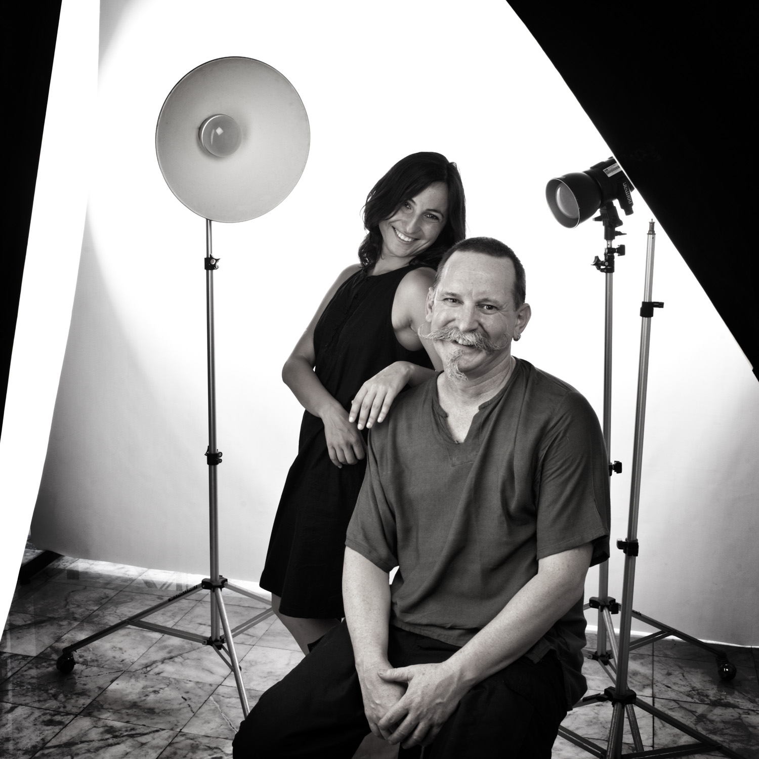 Photographer and Model in the Studio DPS Ultimate Guide to Photographing People for Shy Photographers