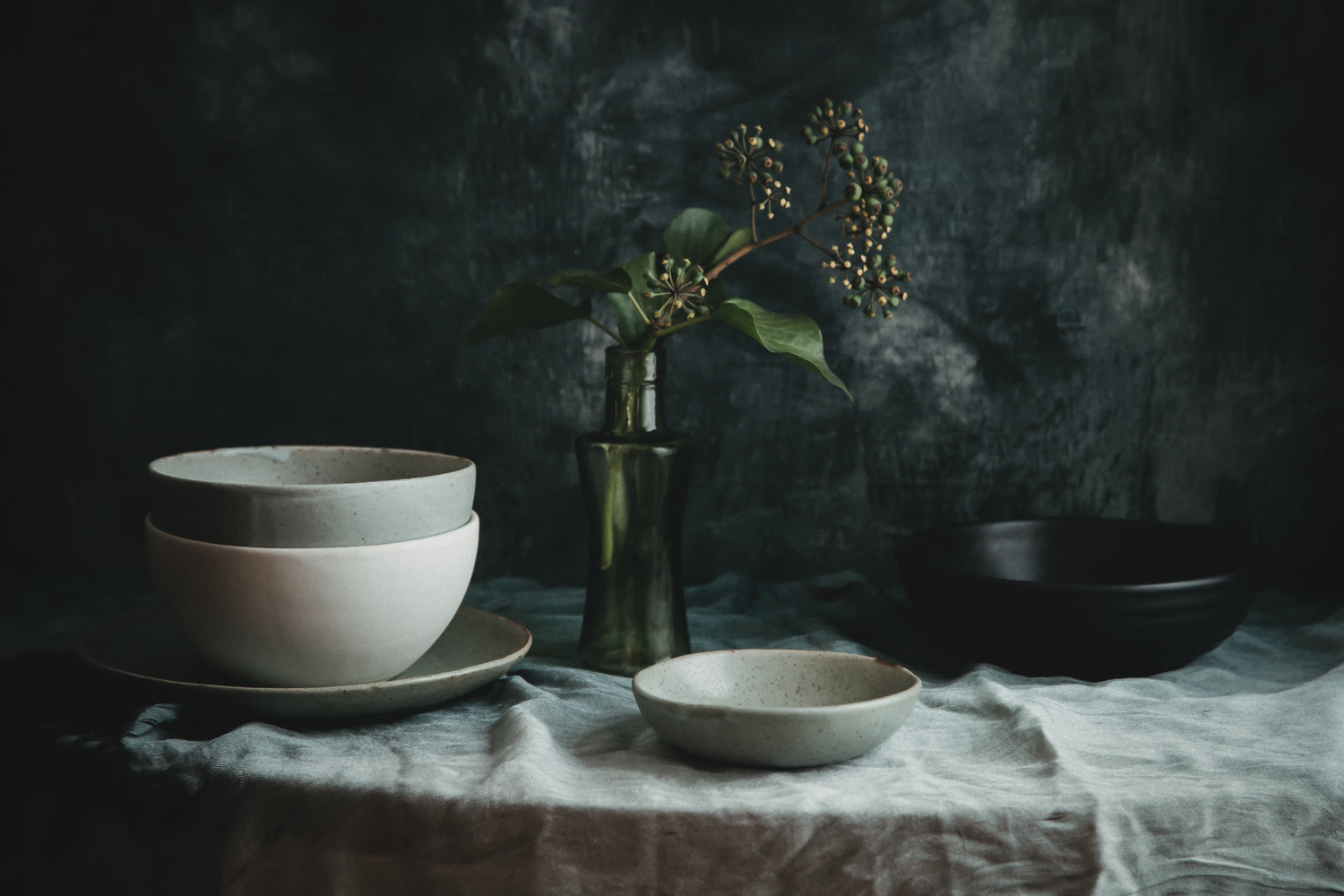 https://i2.wp.com/digital-photography-school.com/wp-content/uploads/2019/09/Still-Life-Bowls-Edit.jpg?resize=1500%2C1000&ssl=1