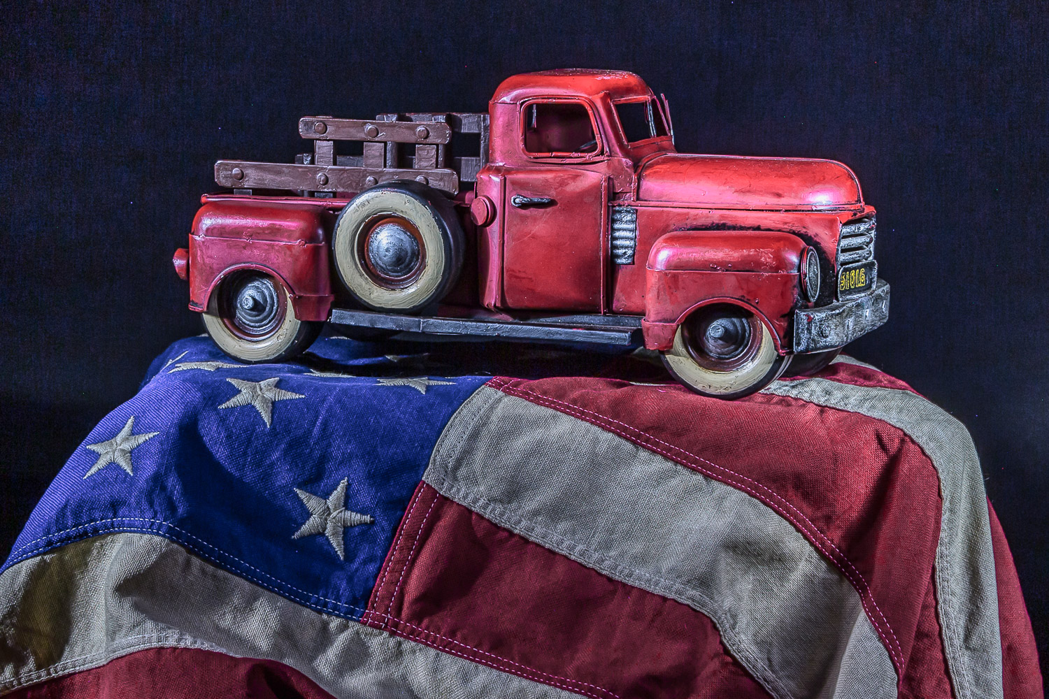 "Image: ""Patriotic Pickup."" Put it on an Australian flag and you can call it a ""Lan..."