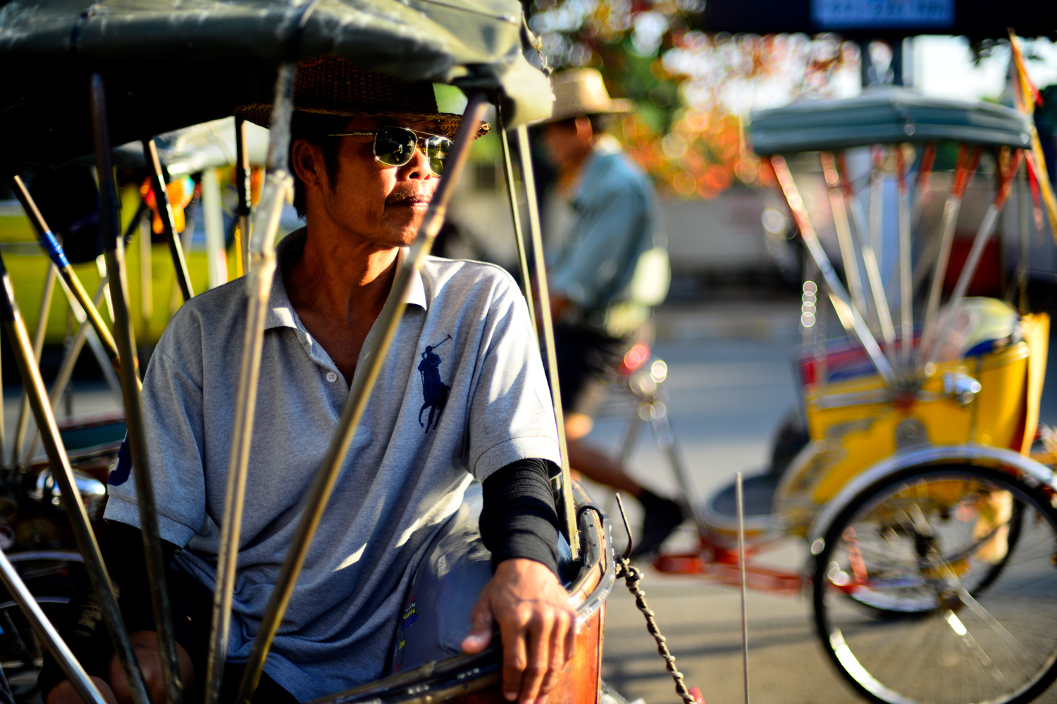 Focusing Tips for Beginners Tricycle taxis in Chiang Mai