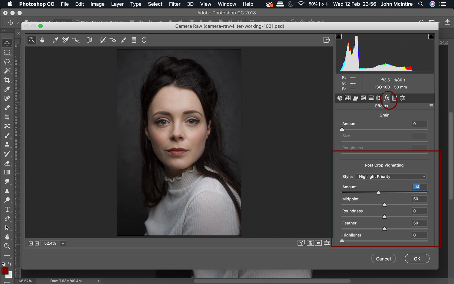 The vignette tool in the Photoshop Camera Raw Filter