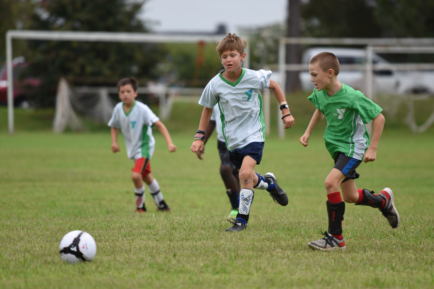 capture-fast-action-photos-soccer-multiple-kids