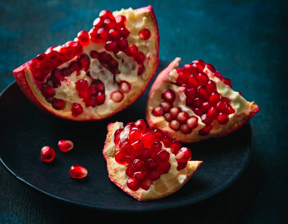 https://i2.wp.com/digital-photography-school.com/wp-content/uploads/2020/04/Pomegranates5009.jpg?ssl=1