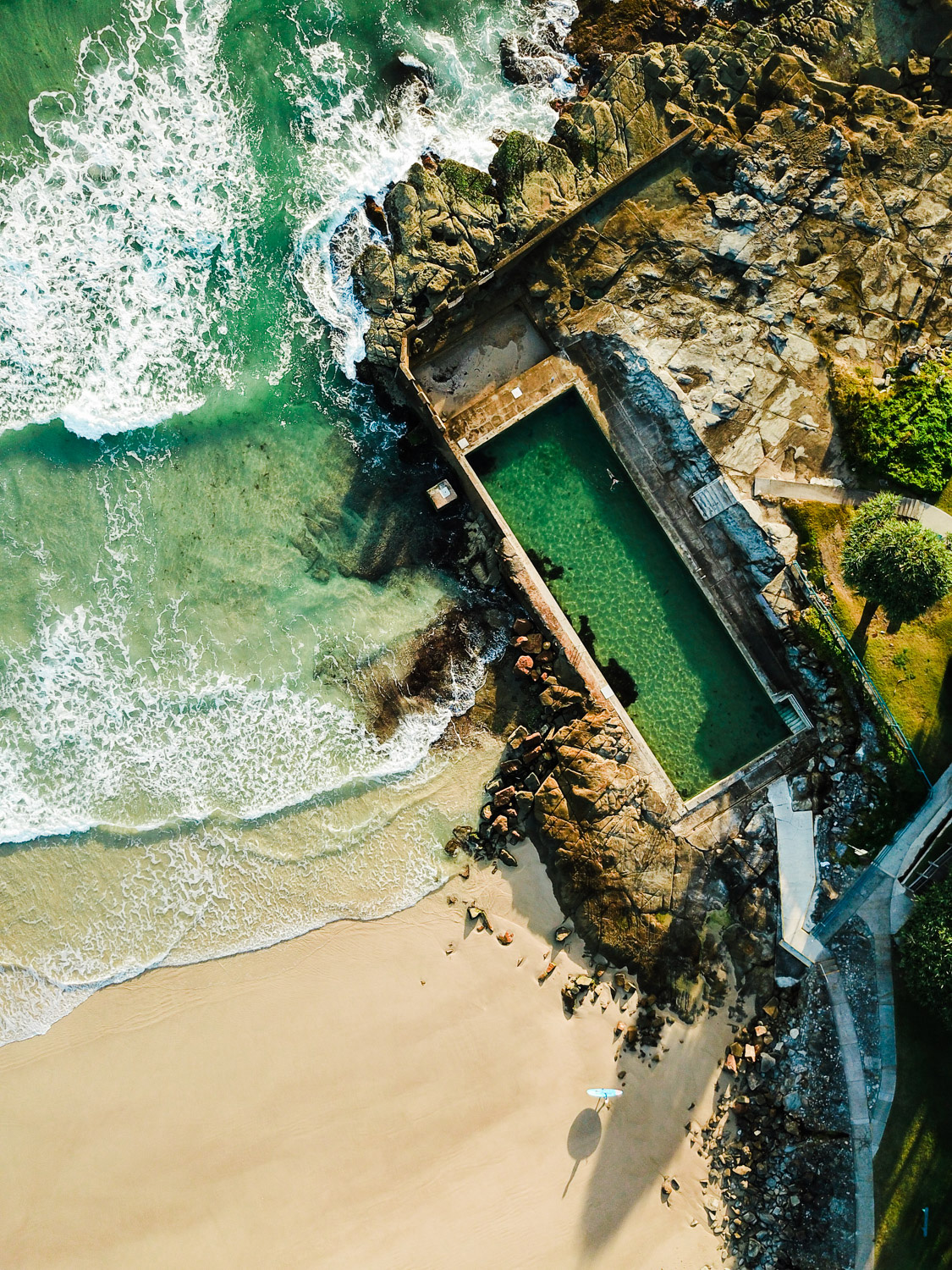 Foto por drone de Matt Murray da Yamba Ocean Pool.  Best Drone Photography
