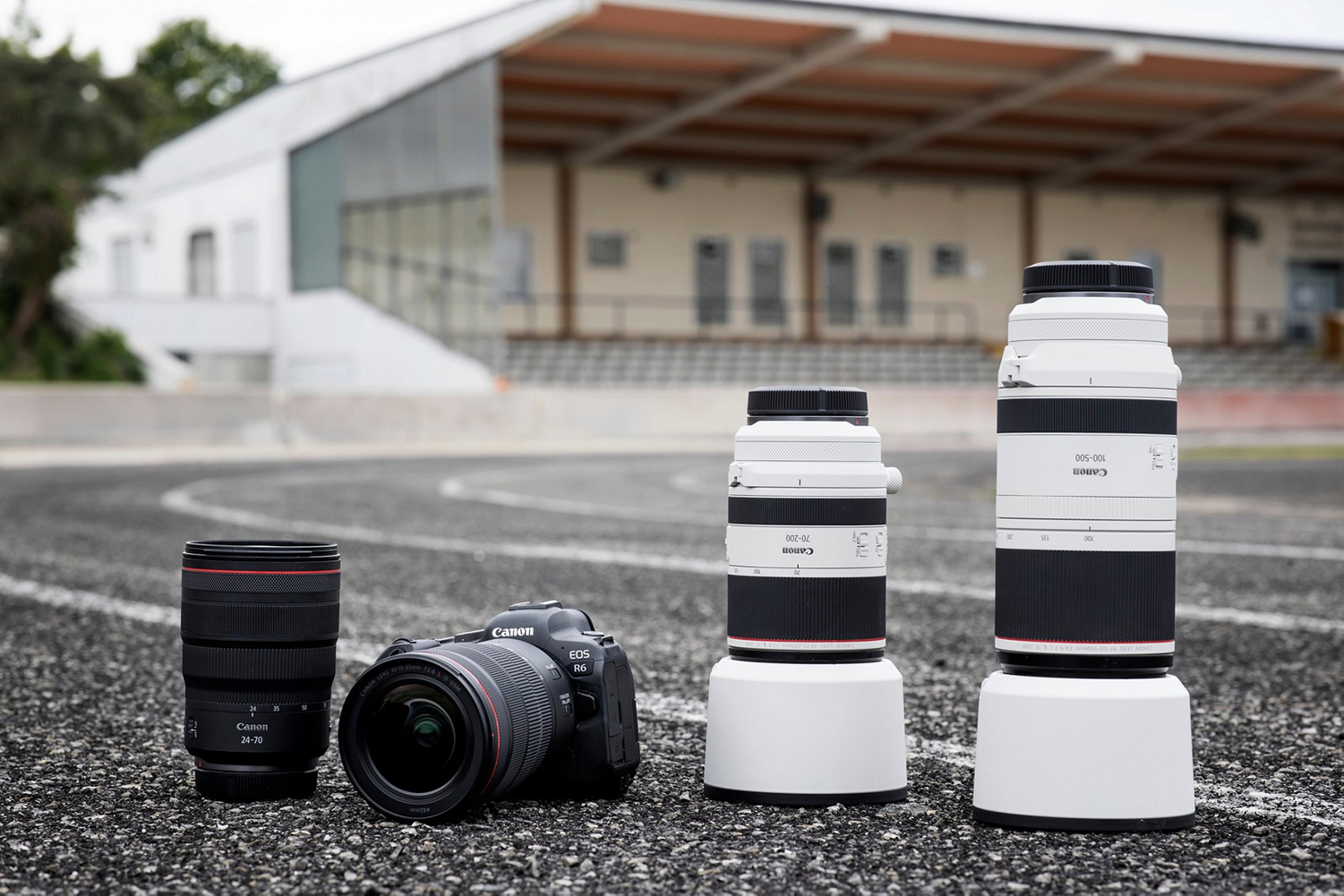July saw Canon launch 2 mirrorless cameras to match their pro glass.