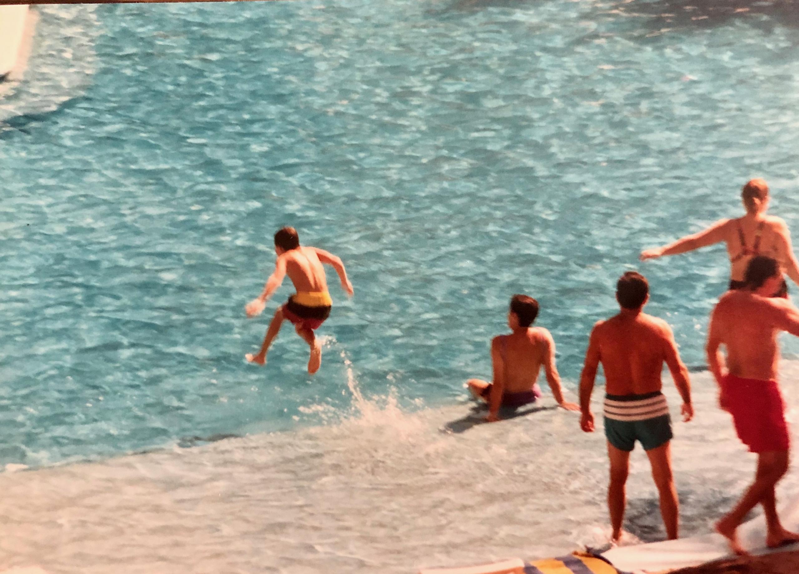Crianças Marie Costanza na água