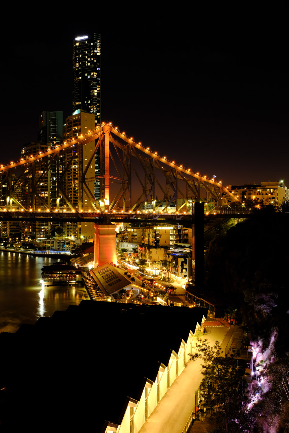 Story Bridge and Howard Smith wharves in Brisbane at night