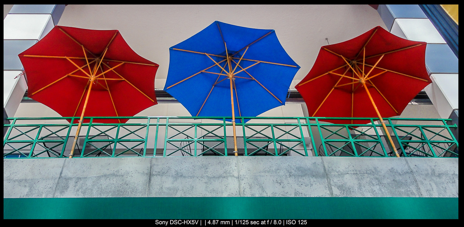 The rule of odds in photography - three umbrellas