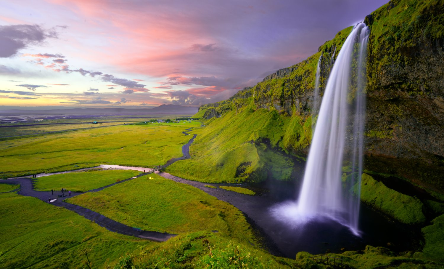 landscape photography tips waterfall in Iceland