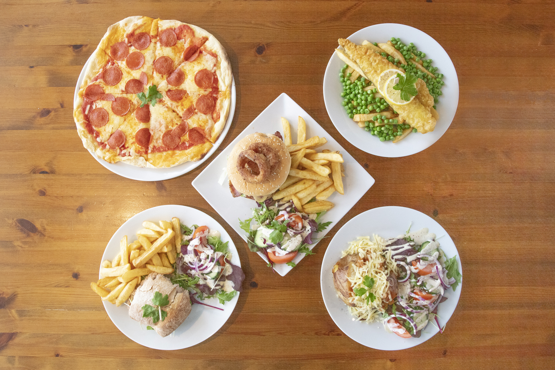 borden met eten