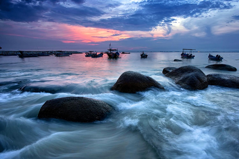 long exposure beach rocks