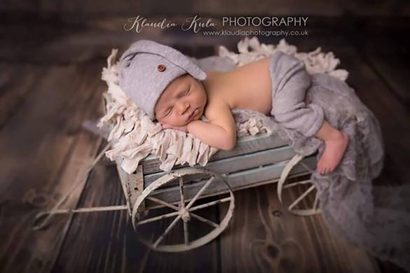 84. Newborn Pants And Hat Se