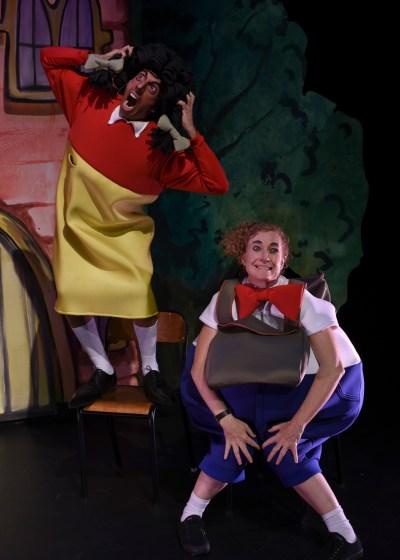 Nat Jobe as Harriet and Kate Smith as Athol in Horrible Harriet (Photo Heidrun Lohr)