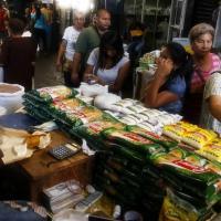 Opinión: suben más rápido los precios de alimentos que del dólar paralelo